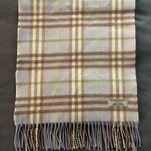 Classic Vintage Check Burberry Cashmere Scarf